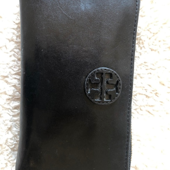 Tory Burch Handbags - Black Tory Burch Wallet